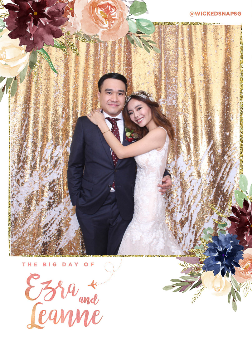 Photobooth / Leanne from Queen of Hearts Bridal Shop & Ezra