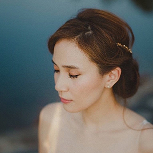 Perfect Wedding Day Hairstyles to Compliment Your Dress