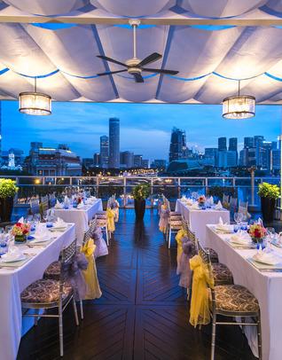 Thumb lantern wedding dinning setup 1